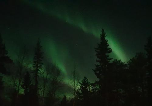 Northern lights by the Akas Hotel